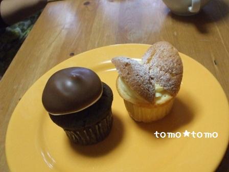 バタフライケーキとマシュマロカップケーキ.JPG